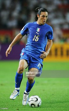 mauro-camoranesi-of-italy-in-action-during-the-fifa-world-cup-germany-picture-id71368784 (637×1024) Legends Football, Football Icon, Football Is Life, World Football, Sport Football, Turin, Soccer Poster, We Are The Champions, World Cup
