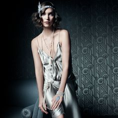 Tiffany's The Great Gatsby Collection, modelled by Keira Knightley in Vanity Fair. Modern twist on old time glitz and glamour Great gatsby inspired Modern take on fashion The Great Gatsby, Great Gatsby Party, Look Gatsby, Gatsby Style, Gatsby Girl, Flapper Style, Gatsby Theme, 1920s Style, Gatsby Movie