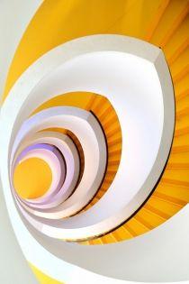 Stair et haut - Eric Forey Interior Staircase, Modern Staircase, Spiral Staircases, Stair Storage, Vinyl Storage, Winding Stair, New Interior Design, Modern Outdoor Furniture, Stairway To Heaven