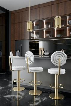 Originality and a fresh viewpoint are required when it comes to portraying one's style through interior decorating. The Most Expensive Homes Blog presents the next round of fantastic ambiances to astonish and empower your interiors in this article. #themostexpensivehomes #lifestylebyluxxu #luxxumoderndesignliving #pullcast #blog #luxuryhomes #homestyle #homeinspiration