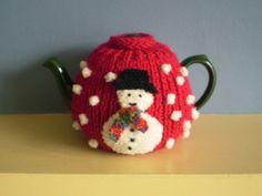 Ravelry: Christmas Tea Cosy pattern by Frankie Brown Tea Cosy Knitting Pattern, Tea Cosy Pattern, Knitting Patterns Free, Free Knitting, Free Pattern, Scarf Patterns, Knitting Machine, Knitted Tea Cosies, Tea Blog