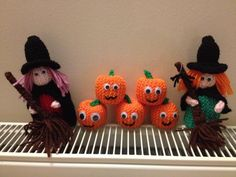 small knitted witches and pumpkins