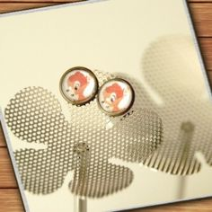 bronze-colored stud earrings  - bambi - handmade by Mad  In Belgium (www.mad-in-belgium.com)