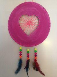valentijn knutselen: zo kun je een mooie dromenvanger maken Valentine Box, Valentine Crafts, Diy For Kids, Crafts For Kids, Diy Crafts, Easy Christmas Crafts, Simple Christmas, Boyfriend Crafts, Crochet Patterns For Beginners