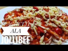 One of the best tasting spaghetti is the famous Jollibee spaghetti. It's the meaty, sweet style that makes it different from other spaghetti recipes. Jollibee Spaghetti Recipe, Sphagetti Recipe, Filipino Recipes, Filipino Food, Pork Broth, Copykat Recipes, Spaghetti Sauce, Just Cooking, Healthy Recipes