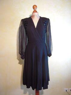 R 002 : Robe du soir des années 30 taille 38-40