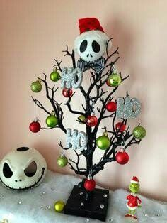 Made by Serena Bee nightmare before christmas Más Halloween Trees, Halloween Christmas, Disney Christmas, Christmas Themes, Halloween Crafts, Holiday Crafts, Holiday Fun, Christmas Holidays, Dark Christmas