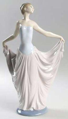 Lladro Figurines. Dancer!