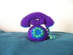 Crochet telephone in the cutest colors imaginable. And she even wrote up her pattern for it!