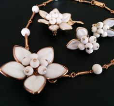 Signed CORO Vintage Necklace Brooch Earring SET White Glass Flower Cluster 2027