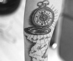 Birth Flowers & Over 50 Best Birthday Flower Tattoo Ideas - Tattoo Stylist Viking Compass Tattoo, Simple Compass Tattoo, Compass Rose Tattoo, Daisy Tattoo Designs, Crow Tattoo Design, Tattoo Designs And Meanings, Phoenix Feather Tattoos, Tattoo Dragon And Phoenix, Mother Tattoos