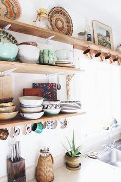 Beautiful Bohemian Kitchen Decor for Cozy Kitchen Inspirations 02 Deco Design, Küchen Design, House Design, Interior Design, Design Ideas, Pattern Design, Boho Kitchen, New Kitchen, Eclectic Kitchen