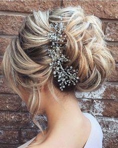 Half-updo, Braids, Chongos Updo Wedding Hairstyles / http://www.deerpearlflowers.com/wedding-hair-updos-for-elegant-brides/2/ #weddinghairstyles