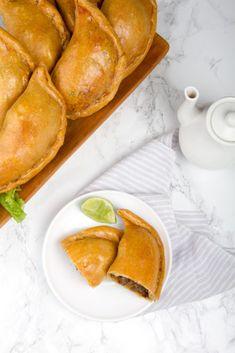 Beef Empanadas, Peruvian Recipes, Peruvian Cuisine, Steak Dinner Sides, How To Cook Beef, Food Words, Dinner Menu, Gastronomia, Deserts