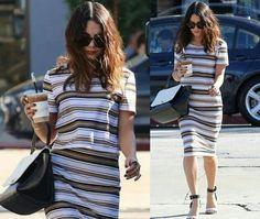Mais um look criativo com listras!✨ Ela ainda acrescentou um toque de cor do batom coral! #stripes #fashion #vanessahudgens