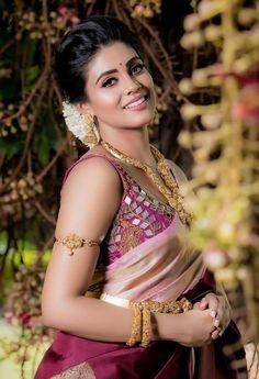 Indian Actress Images, Beautiful Indian Actress, Indian Actresses, South Actress, South Indian Actress, Beautiful People, Most Beautiful, Indian Beauty Saree, Golden Girls
