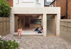 London's ever-escalating house prices, the NLA aim to inspire London residents to improve the homes they are in. Here are the winners of the best home extensions from the 2017 Don't Move, Improve! London Architecture, Residential Architecture, Architecture Design, Building Architecture, Brick Extension, Glass Extension, Rear Extension, Villa, Patio Interior