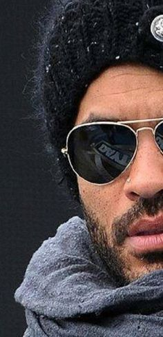 Kravitz ---> I just need to make a Kravitz board, for real! lol He makes the age of 50 look hot and sexy! Lenny Kravitz, Mae West, Hard Rock, Folk Rock, Beautiful Men, Beautiful People, Ray Ban Sunglasses Sale, Raining Men, Mans World