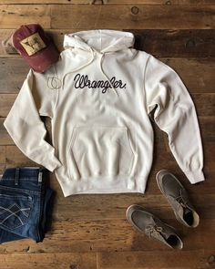 Rope Wrangler graphics on the go-to fave cream hoodie. She's looks real good with our rustic destroyed caps ~ which are off today! Country Style Outfits, Southern Outfits, Country Wear, Country Fashion, Country Dresses, Country Girl Style, Summer Country Outfits, Country List, Country Shirts