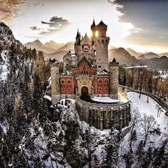 Neuschwanstein Castle, Germany. Unabandoned. Photograph by © @ou_zhang811 #AbandonedEarth #castle