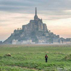 Величественный замок Мон Сен-Мишель  Франция.