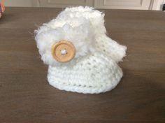 Baby uggs slofjes met luxe zacht bont garen  ook prematuur en newborn maat door Haakmadam op Etsy