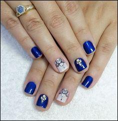Para quem usa unhas curtas, vejam 28 modelos lindos de unhas decoradas!! 89 Fotos de Unhas Curtas Decoradas ACESSE AGORA AO MELHOR CURSO DE MANICURE, PREÇO ESPECIAL SOMENTE HOJE ((CLIQUE AQUI)) Blue Nails, Spring Nails, Pretty Nails, Pedicure, Nail Designs, Beautiful, Color, Easy Nails, Nail Jewels
