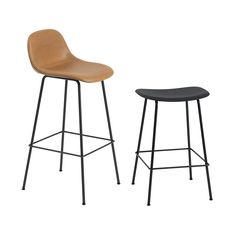 Muuto bar stool for island Plastique Recyclable, Designer Bar Stools, Muuto, Leather Bar Stools, Chaise Bar, Design Bestseller, Cafe Tables, Counter Bar Stools, Accent Chairs For Living Room