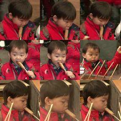 Daehan, Minguk and Manse enjoying fish cakes | The Return of Superman