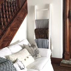 Easy $12 DIY blanket ladder - 1915 house style