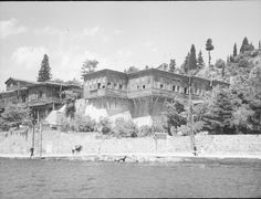 Unidentified Seafornt Houses on the Bosphorus - Dumbarton Oaks Research Library