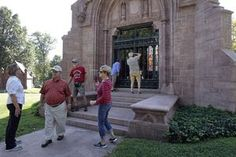 Cemeteries like Bellefontaine are getting creative to raise profile : Business