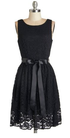 Gorgeous lace dress with ribbon at waist