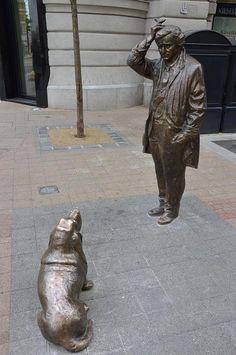 A statue of the legendary, fictional detective, Lt. Frank Columbo, with his loyal bassett hound: in Budapest.