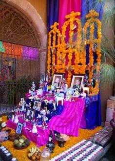 DIA DE LOS MUERTOS/DAY OF THE DEAD~Altar de muertos