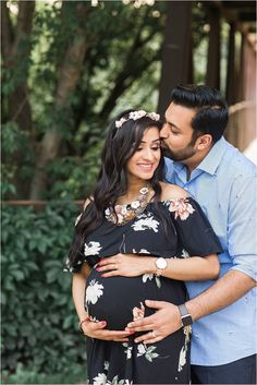 Aarti + Kushal's Maternity Session Couple Maternity Poses, Maternity Shoot Dresses, Studio Maternity Photos, Couple Pregnancy Photoshoot, Outdoor Maternity Photos, Maternity Photography Outdoors, Maternity Session, Maternity Pictures, Couple Shoot