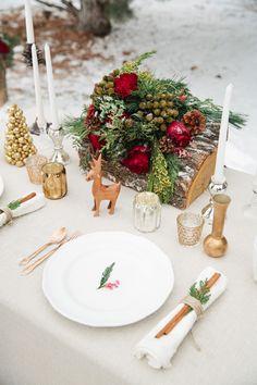 Woodland winter wedding table setting. #WinterWedding #WeddingDecor