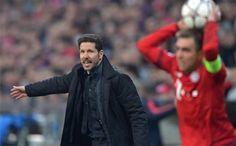 Simeone, dando instrucciones durante el partido