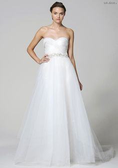 #gown #couturedesign #fashion #couturegowns #bridalstyle #couturefashion #fallwinter #fashiongram #couture #designer #wedding #designers #dress #bridal #couturegown #weddingdress #fallwinter2016 #bridalgowns #eliesaab #bridaldresses #fashionmagazine #bridalgown #bridaldress #gowns #couturedress #2016 #fashionblogger #bridalfashion #dresses #chicJarná+svadobná+kolekcia+Marchesa