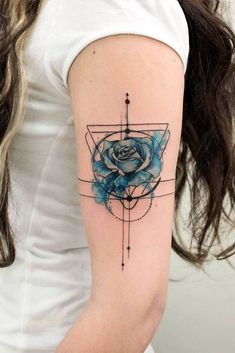 33 Rose Tattoos And Their Origin, Symbolism, And Meanings Blaue Rose Tattoo Design mit geometrischen Trendy Tattoos, Unique Tattoos, Cute Tattoos, Body Art Tattoos, New Tattoos, Tattoos For Guys, Tattoo Art, Tatoos, Tattoo Abstract