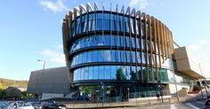 Occupying a prominent site on the Shorehead side of the campus, the six-storey building is BREEAM Outstanding rated thanks to the use of Saint-Gobain Building Glass' SGG COOL-LITE SKN 165 II collar control glass in its curved frontage and a 3.5m cantilever.