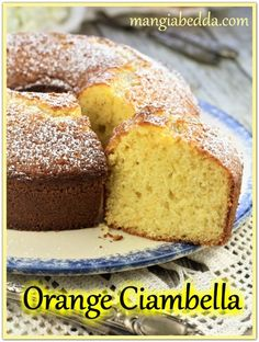 The simple and easy citrus flavored Orange Ciambella to enjoy with your coffee! My Dessert, Pumpkin Dessert, Pumpkin Cheesecake, Italian Cake, Italian Desserts, Italian Recipes, Italian Cooking, Almond Pound Cakes, Pound Cake Recipes