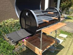 churrasqueira em latao - Pesquisa Google Outdoor Buffet, Outdoor Oven, Barbecue Area, Bbq Grill, Grilling, Bbq Pics, Oil Drum Bbq, Barrel Grill, Brazilian Bbq