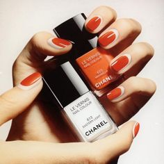 Chanel nail summer 2014 - I love the look of the way the nails are painted. light rimmed around the darker color.