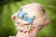 Turquoise blue Silk Butterfly hair comb with por flutter2me en Etsy