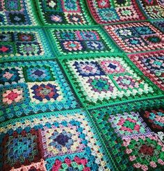 IN STOCK SALE Retro Granny Squares Blanket Afghan by Thesunroomuk
