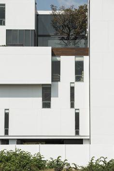 Courtesy of STU/D/O Architects- Photography: Wison Tungthunya