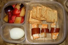 Variety of ideas for lunchbox. She Took pictures of kids lunch boxes for a year.