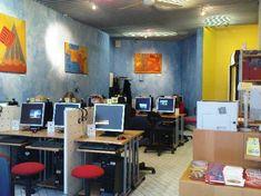 Internet Cafe Surfland 550×412 Pixels