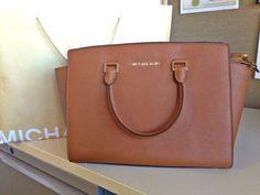 My beautiful new bag! Michael Kors - Selma Large Tan